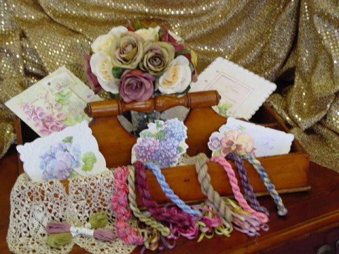 Carol's Rose Garden cards / Soie d'Alger threads / Silk 'n Colors threads / Silken Ribbons